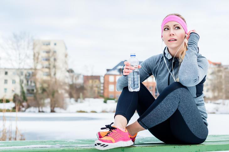 Flaskevann kan brukes til rehydrering når du trener